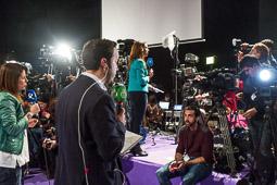 Eleccions andaluses 2015 Periodistes preparats per connectar en directe des de la seu de Podemos, al Teatre Salvador Tàvora de Sevilla.