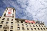 Ocupació de l'antic Banesto de Barcelona per promoure la vaga