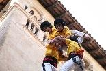 Bateig dels Castellers de Solsona L'anxaneta culminant el castell