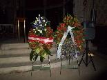 Funeral pel jove Aleix Ribera Arribada de les primeres corones de flors