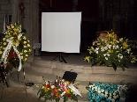 Funeral pel jove Aleix Ribera Es va preparar una pantalla per passar un vídeo de l'Aleix