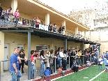 Presentació CF Solsona 2010-11 El públic ha pogut veure la darrera obra que s'ha fet al camp: una marquesina que protegeix els vestuaris