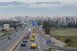 9-N: caravana de cotxes grocs pel «sí-sí»