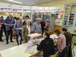 Municipals 2015: jornada electoral a Osona Centelles. Foto: Toni Carrasco