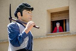 Festa Major de Sant Quirze de Besora 2015: cercavila de gegants