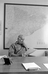 Estimats bombers (1978-94) Josep Busquets, cap del parc de bombers de Vic, agost de 1978. Foto: Josep M. Montaner