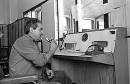 Estimats bombers (1978-94) Josep Franquesa al parc de bombers de Vic, agost de 1978. Foto: Josep M. Montaner
