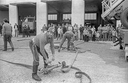 Estimats bombers (1978-94) Josep Quintana  durant la celebració de la Festa dels Bombers al parc de Vic, el 8 de març de 1981. Foto: Josep M. Montaner
