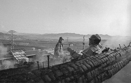 Estimats bombers (1978-94) Incendi a Sant Hipòlit de Voltregà, el 18 d'abril de 1982. Foto: Josep M. Montaner