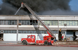Estimats bombers (1978-94) Incendi d'Esplasa a Santa Eugènia de Berga, el 22 d'octubre de 1984Foto: Josep M. Montaner