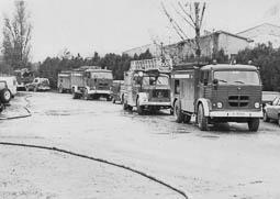 Estimats bombers (1978-94) Vehicles BUP 125, auto escala 603 i BRP 206. Foto: Arxiu La Marxa