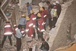 Estimats bombers (1978-94) Atemptat a la caserna de la Guàrdia Civil (1991). Foto: Arxiu La Marxa