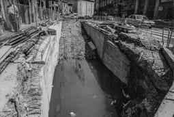 Construcció del pàrquing de la plaça Major de Vic, 1990-91 1991: construcció de l'accés de vehicles des de la rambla de les Davallades.