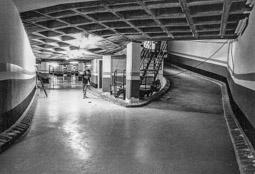 Construcció del pàrquing de la plaça Major de Vic, 1990-91 5 de desembre de 1991: el pàrquing, a punt d'obrir.