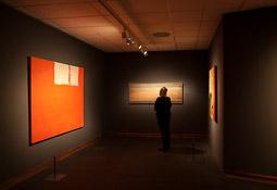Exposició «116 anys de Pintura Catalana» a Vic D'esquerra a dreta 18.IX.2006 d'Alfons Borrell, Paisatge 17 de Perejaume, sensetitol Josep Guinovart.