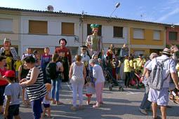 Cercavila de gegants a les festes del barri de Santa Anna