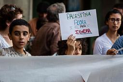 Concentració a Vic contra els atacs a Palestina