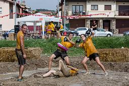 Festa Major de Santa Eugènia de Berga 2014: gimcana guarra
