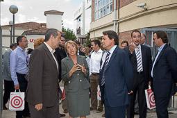 Ramon Espadaler, l'àlbum de fotos Amb la rectora de la UVic, Assumpta Fargas, en una visita d'Artur Mas i Felip Puig (16/09/2008).