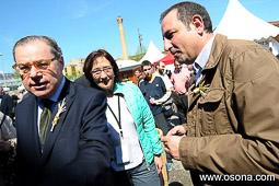Ramon Espadaler, l'àlbum de fotos De visita al Mercat del Ram de Vic (12/04/2014). Foto: Víctor Castelo.