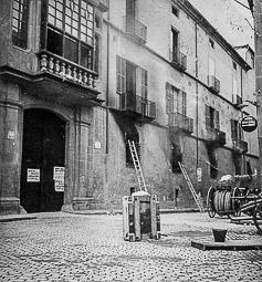 Revolució, guerra i franquisme a Vic Incendi del Palau Episcopal (21/VII/1936).