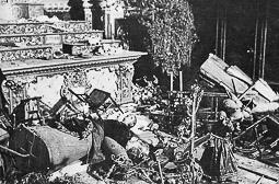 Revolució, guerra i franquisme a Vic Destrucció de l'altar principal de l'església parroquial del Carme.