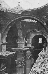 Revolució, guerra i franquisme a Vic Treballs de reconstrucció de la catedral després de la guerra.