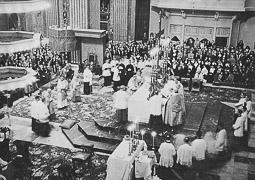 Revolució, guerra i franquisme a Vic Acte religiós solemne a la catedral.