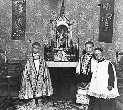 Revolució, guerra i franquisme a Vic Recuperació dels cultes i la simbologia religiosa a la postguerra.