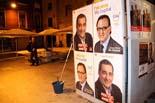 Municipals 2011: enganxa cartells (Vic, Manlleu i Torelló)