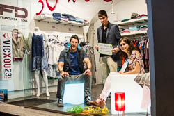 VicXou, Shopping Night a Vic