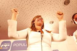 Les imatges més curioses de la campanya electoral a Sabadell 2015  Felicitat. Foto: Albert Segura.