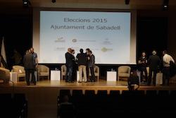 Les imatges més curioses de la campanya electoral a Sabadell 2015  Preparant-se pel combat. Foto: Albert Segura.