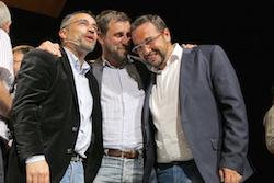 Les imatges més curioses de la campanya electoral a Sabadell 2015  Complicitat. Foto: Albert Segura.