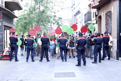 Les imatges més curioses de la campanya electoral a Sabadell 2015  EsPAHrant. Foto: Albert Segura.