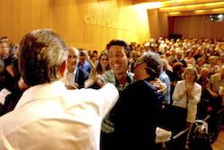 Les imatges més curioses de la campanya electoral a Sabadell 2015  Sorpresa de campanya. Foto: Albert Segura.