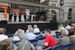 La Flama del Canigó arriba a Sabadell, 2015 Actuació musical per esperar la Flama del Canigó.