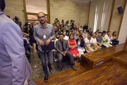 Ple de constitució de l'Ajuntament de Sabadell Maties Serracant entra al Ple.