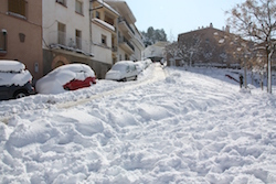 Una nevada històrica Cotxes sota la neu a Vacarisses. Norma Vidal.