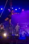 «S'ENLAIRA» espectacle conjunt de Txarango i el Circ Cric