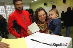 El resum del 2014 al Ripollès, en imatges La il·lusió del 9-N. Foto: Arnau Urgell