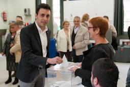 Municipals 2015: candidats del Baix Ripollès i ambient matinal Sergi Albrich (ERCSant Joan de les Abadesses). Foto: Marc Cargol