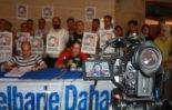 El 2009 al Ripollès, en 100 imatges Mobilització per aturar l'expulsió d'Abdelbarie Dahane (Sant Joan de les Abadesses, 23 de maig) Foto: Arnau Urgell