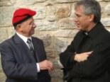 El 2009 al Ripollès, en 100 imatges L'alcalde Ramon Tubert i el bisbe Romà Casanova a la Festa Major de Sant Martí (Ogassa, 16 de novembre) Foto: Lurdes López