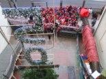 El 2009 al Ripollès, en 100 imatges La Vedruna, celebra el seu 150è Nadal, a sota del tió gegant (Ripoll 22 de desembre) Foto: Escola Vedruna