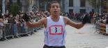 L'any 2010 en 100 imatges Samir Amit va vèncer amb autoritat la Mitja Marató de Ripoll. Foto: Arnau Urgell
