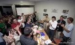 Resum 2011 Celebració al local de CiU de Ripoll després d'assolir la victòria a les municipals. Foto: Eudald Rota/Quimera.cat