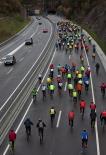 Resum 2011 Marxa lenta ciclista per reclamar el dret de circular a la C-17. Foto: Adrià Costa