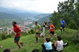 I Cursa de les Quatre Ermites de Ripoll Un grup de corredors, al pas per la rosa dels vents. Foto: Mingo Gómez