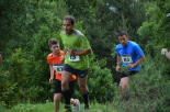 I Cursa de les Quatre Ermites de Ripoll Uns corredors, al pas pel Catllar. Foto: Mingo Gómez
